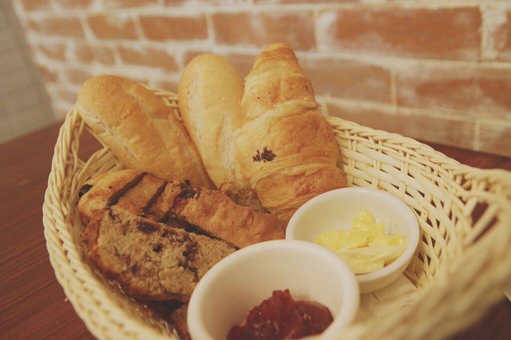 Cafe Creole Bread Basket